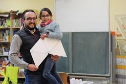 PTSGroup_KALLE-macht-Schule_Matthias-Knak-mit-seiner-Tochter-und-KALLE-scaled