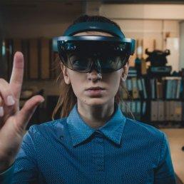 affinis-referenz-virtuelle messeplanung mit smartglasses
